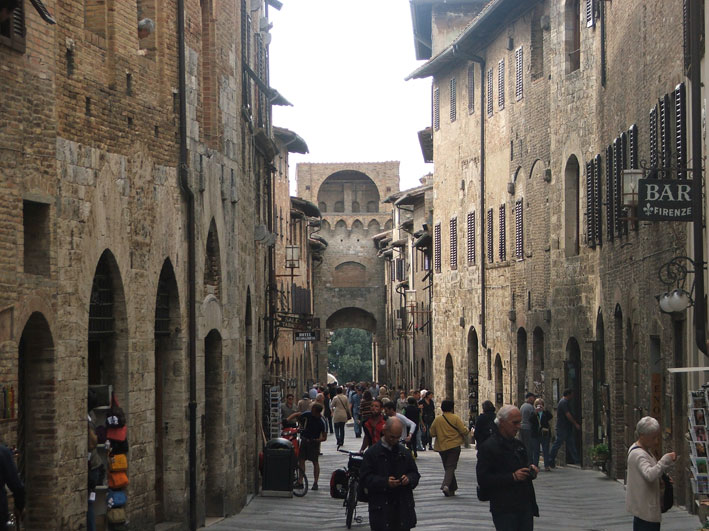 San-Gimignano-ruas