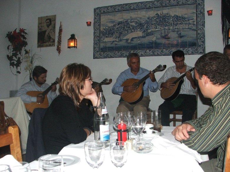 Lisboa-restaurante-fado2