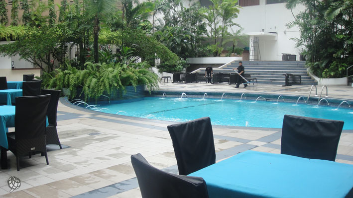 Continental piscina