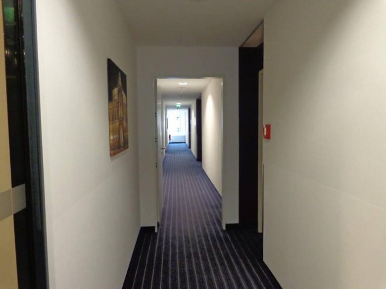 Holiday Inn Dresden corredor