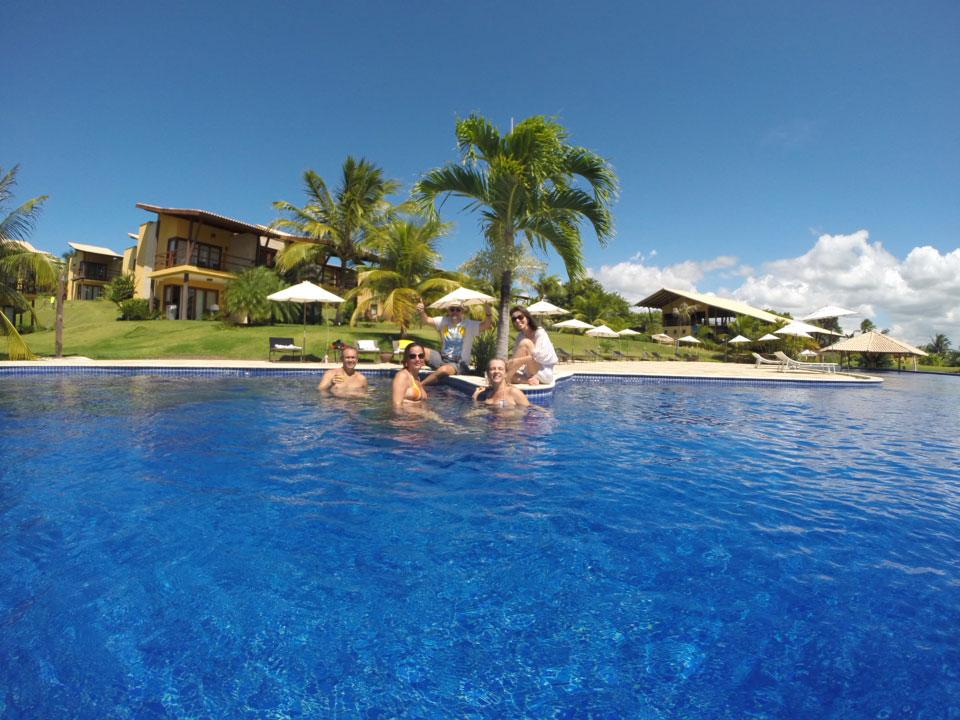 Girassois-adultos-piscina