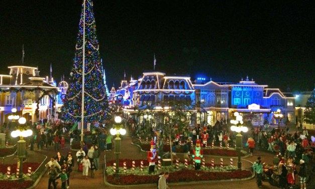 Como é a Mickey's Very Merry Christmas Party