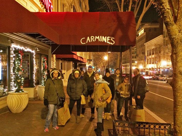 Onde-jantar-em-Washington-Carmines-fachada