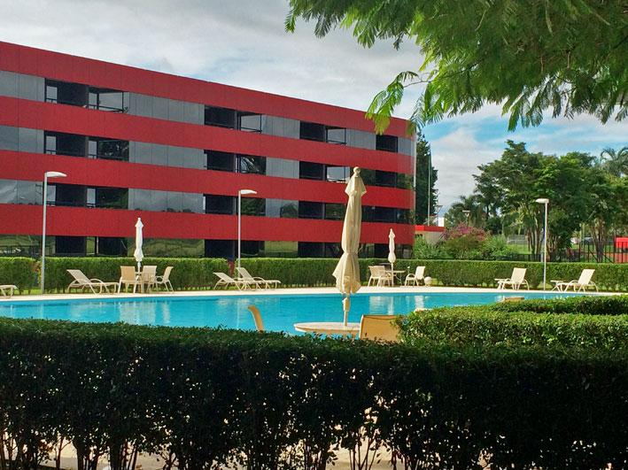 Brasilia-Palace-piscina