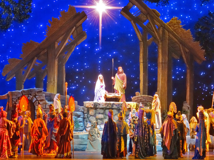 Radio-City-Christmas-Spectacular-cristo