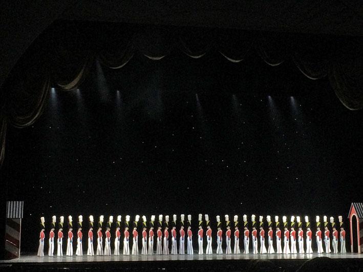 Radio-City-Christmas-Spectacular-soldados1