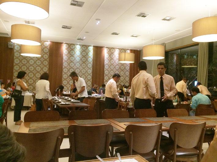 Restaurante-Camaroes-em-Natal-salao1