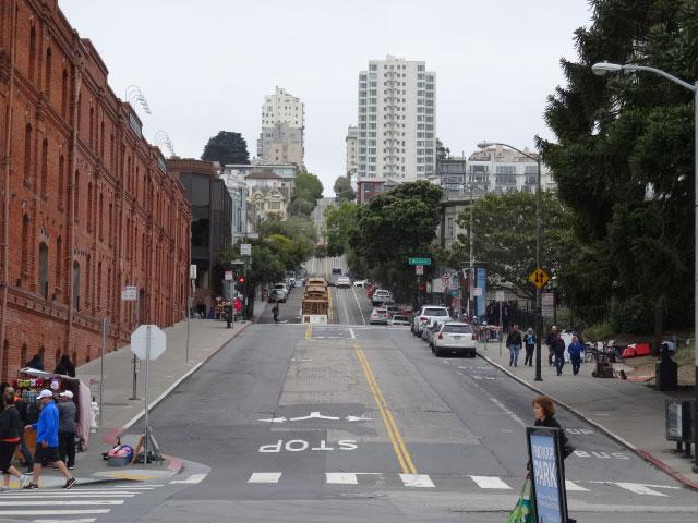 15-atrações-imperdiveis-em-San-Francisco-ladeiras2