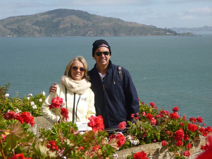 Alcatraz-nos-jardim
