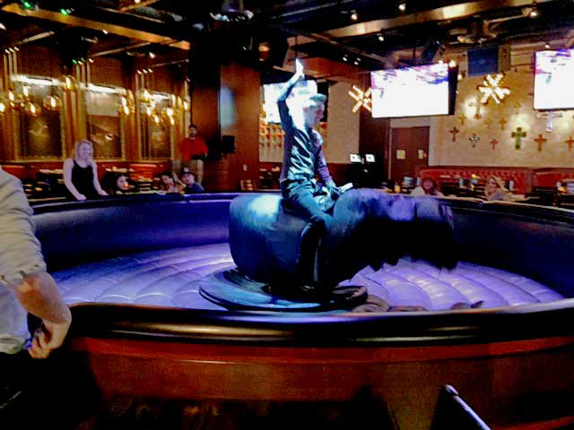 Onde-jantar-em-Las-Vegas-Chayo-touro2