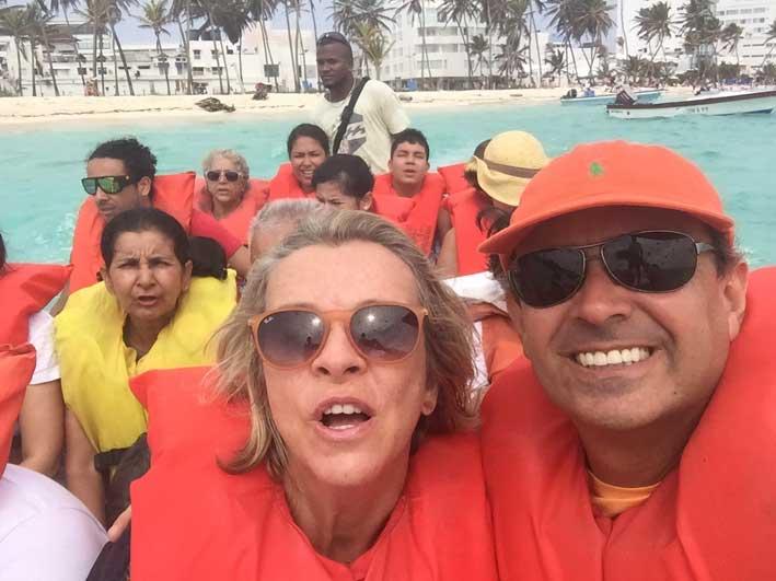 Como-e-o-passeio-a-Haines-Cay-e-Acuario-barco