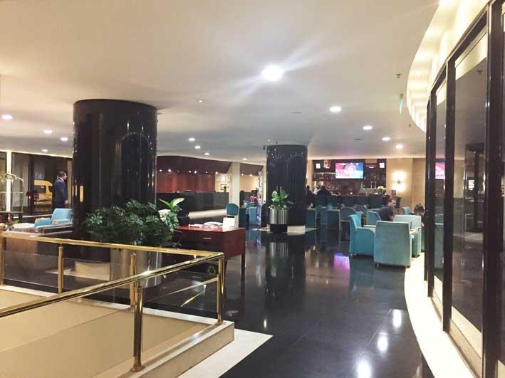 Hotel-perto-do-aerorto-em-Bogota-lobby1