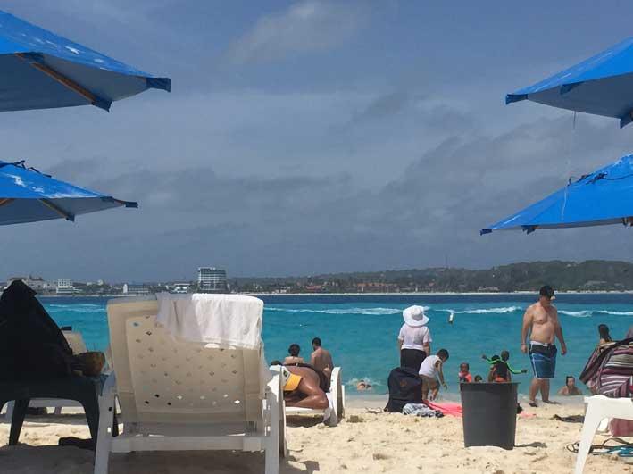 Tudo-sobre-Johnny-Cay-praia3