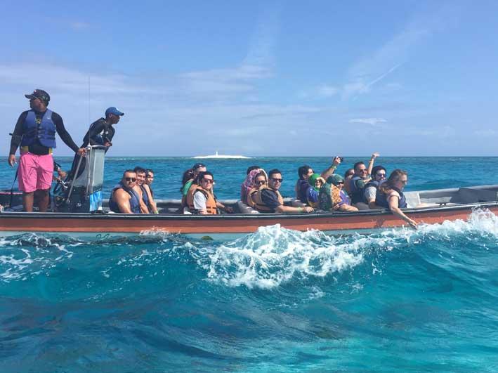 Como-e-o-passeio-a-Cayo-Bolivar-barco2