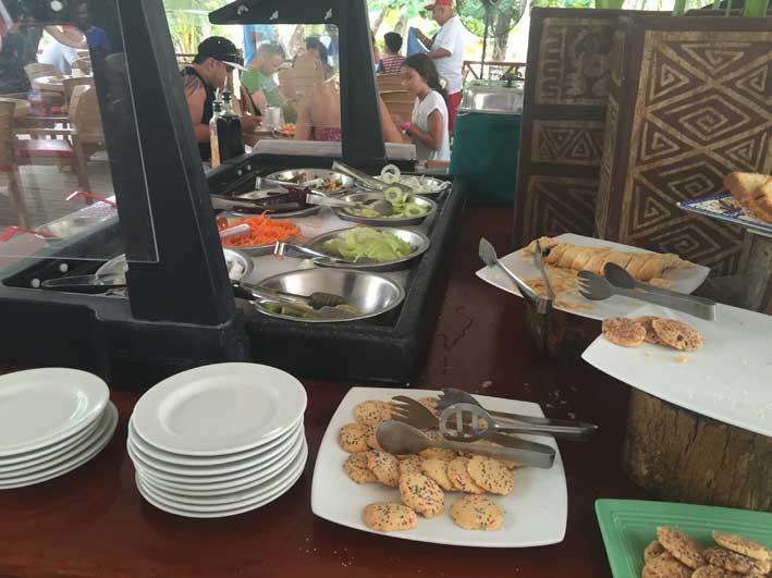 o-que-fazer-em-San-Andres-sem-sair-da-ilha-club-rocky-cay-buffet2