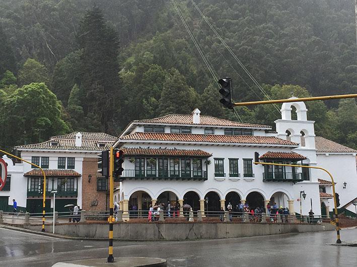 Cerro-de-Monserrate-fachada
