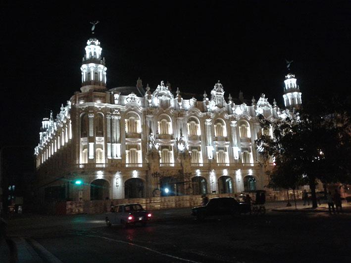 havana-a-capital-cubana-teatro-nacional