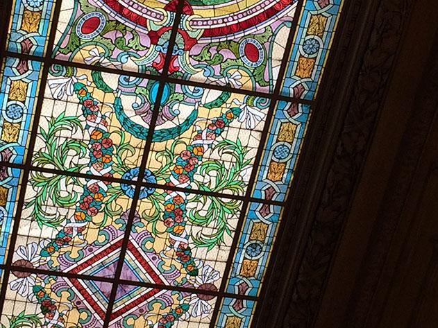 Detalhe do teto do Teatro Colón em Buenos Aires