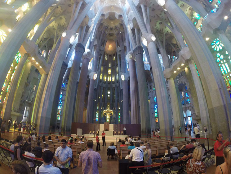 sagrada-familia-interior