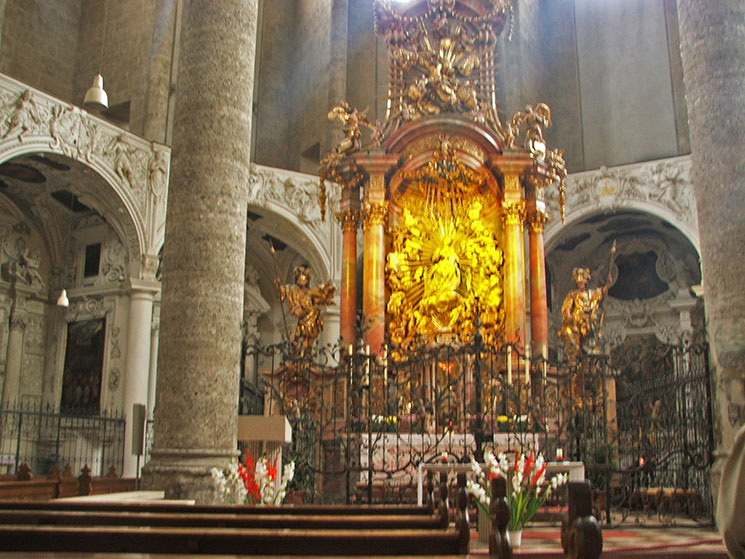 Igreja dos Franciscanos em Salzburg