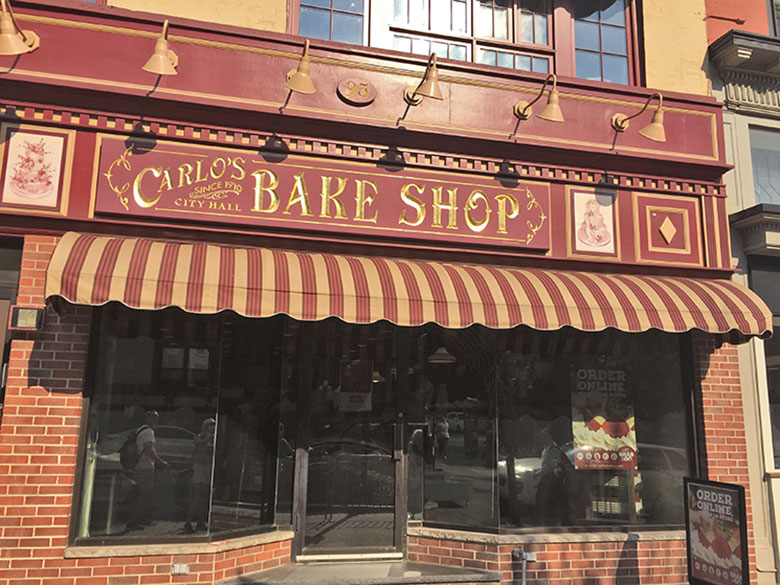 Fachada da Carlo's Bake Shop em New Jersey