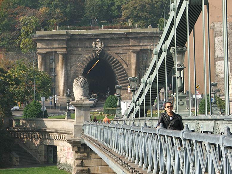 Chegando no lado de Buda pela Ponte das Correntes