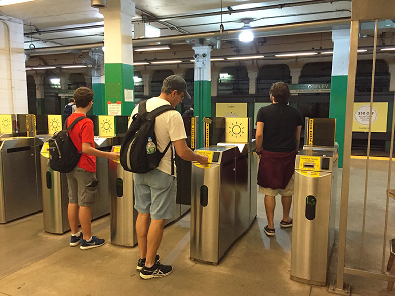 Catraca da estação de metrô em Boston