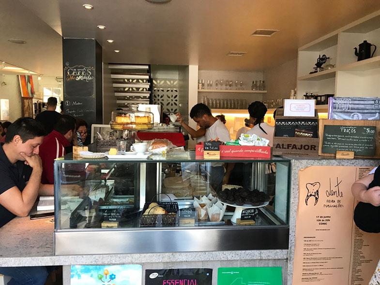 Balcão de atendimento do Ernesto Cafés Especiais em Brasília