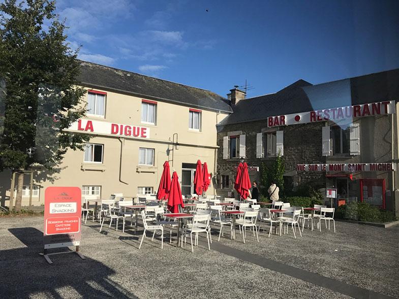Hotel fora das muralhas do Mont Saint Michel