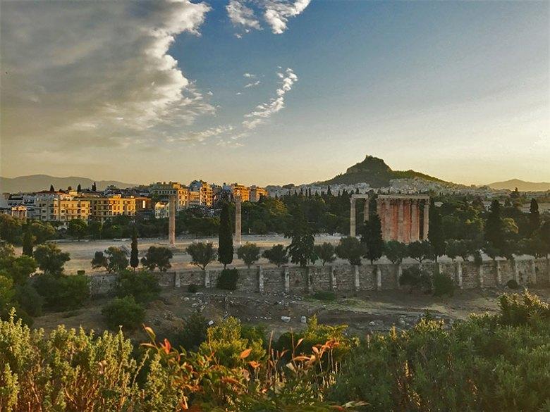 Hotel em Atenas com vista para o Templo de Adriano