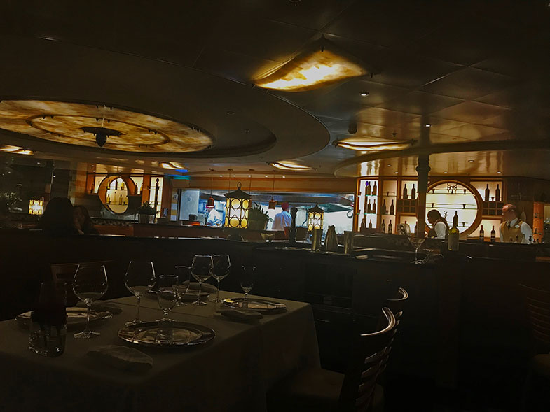 Restaurante palo no cruzeiro Disney Wonder