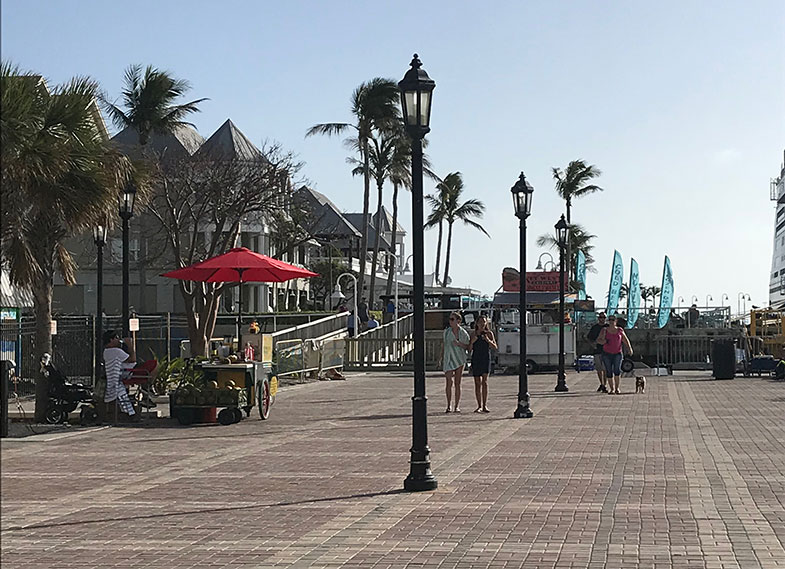 Mallory Square em Key West durante o cruzeiro Disney Wonder