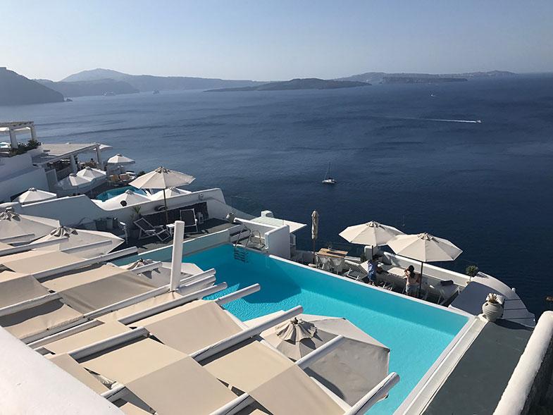 Hotel em Santorini com linda vista da caldeira