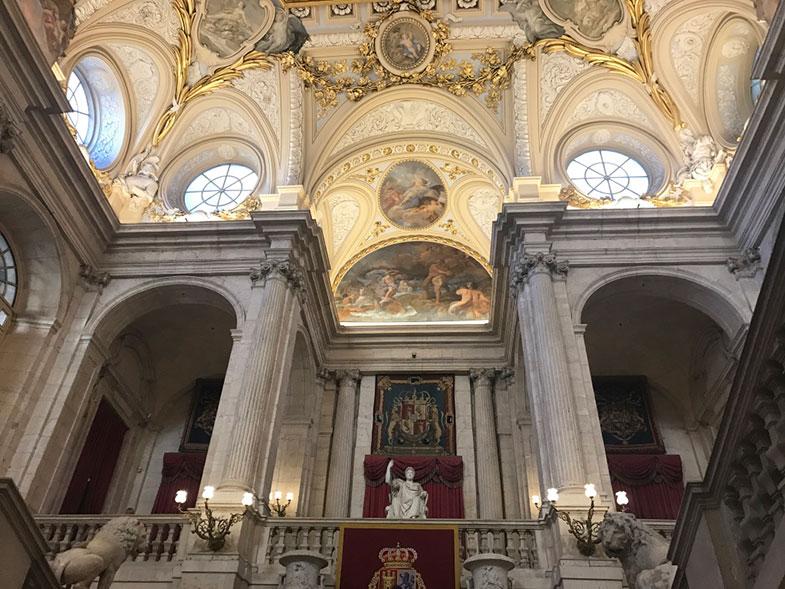 Hall de entrada do Palácio Real de Madrid