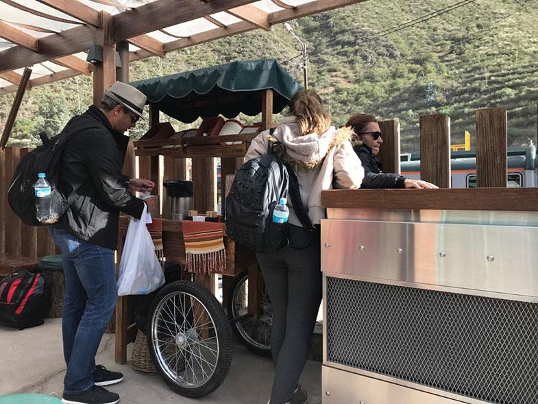 Sala de espera da Inca Rail