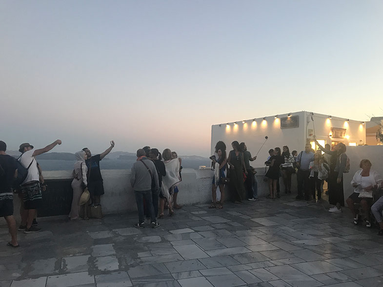 Como chegar à igreja de teto azul em Santorini