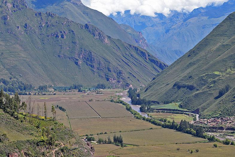 Vista do Vale Sagrado do mirante de Taray