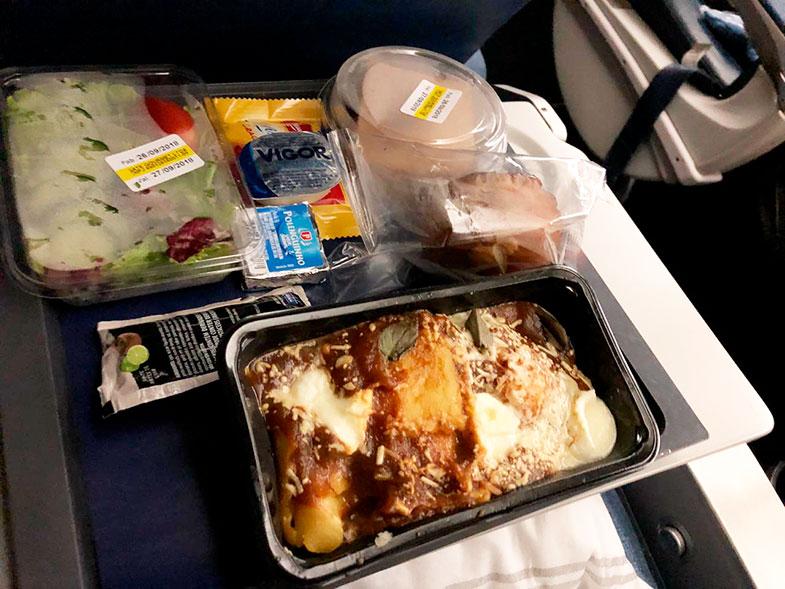 Jantar de voo internacional da Delta