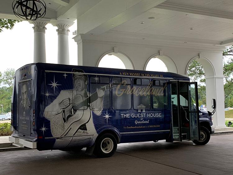Ônibus para Graceland em Memphis