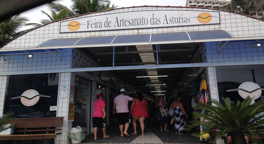 Feirinha de Artesanato na Praia da Asturias no Guaruja SP