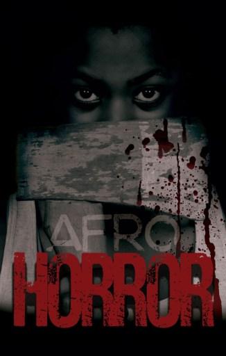 Capa do livro Afro Horror. Ao fundo um menino negro olhando escondido, para o leitor