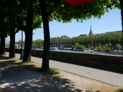 Following la Seine