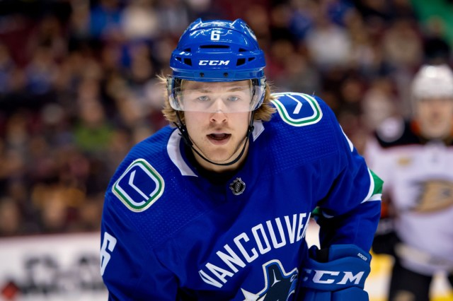 Canucks sign Boeser to 3-year, $17.625-million contract