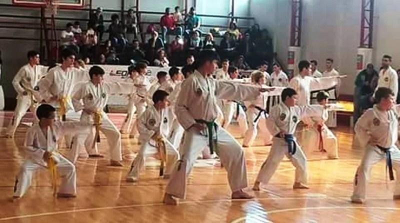 Esta sábado 24 de septiembre de 2016 en el micro estadio del Cañuelas futbol club, se realizo un evento de Taekwondo, donde la Federación de Taekwondo Unificado (ATU) realizo exámenes para alumnos de otras localidades y de Cañuelas, se encuentra la Escuela de Gabriel Floriani SABOM.