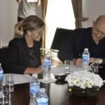 La intendenta Marisa Fassi y el diputado nacional Gustavo Arrieta celebraron un convenio con Cementos Avellaneda S.A.,