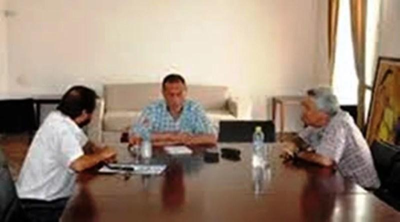 La Sociedad de Fomento Peluffo se reunieron con el Sr. Intendente Gustavo Arrieta en la Municipalidad de Cañuelas.