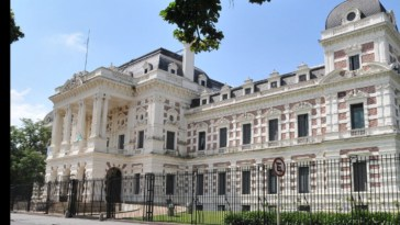 La Plata - El gobierno bonaerense no descarta mayores restricciones