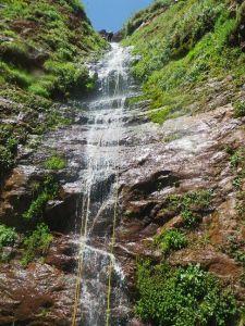 Cascade pen.dant le canyon Yagour.