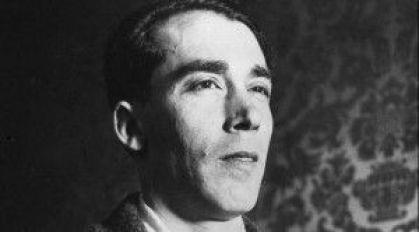 Alejandro Casona.