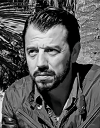 Eduardo Flores.